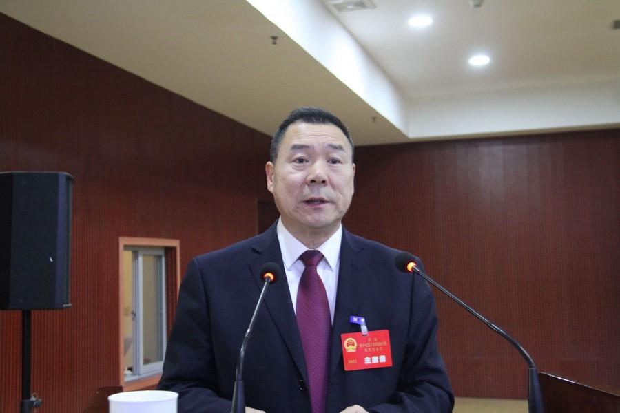 凤县十七届人大五次会议听取县人大常委会和..